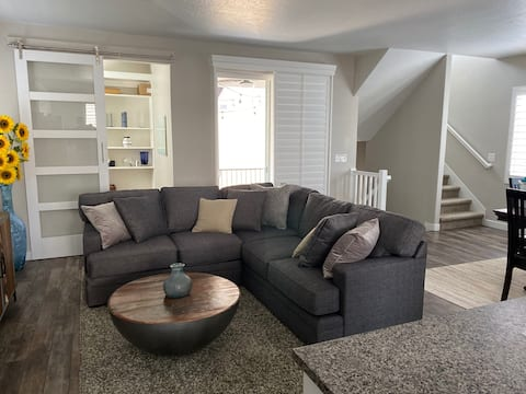 Spacious 3-Bedroom Home with Garage and Office