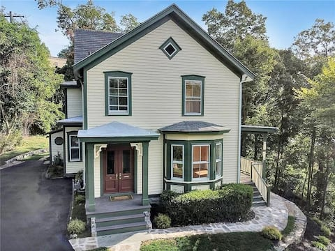 Cozy four bedroom home right outside West Point