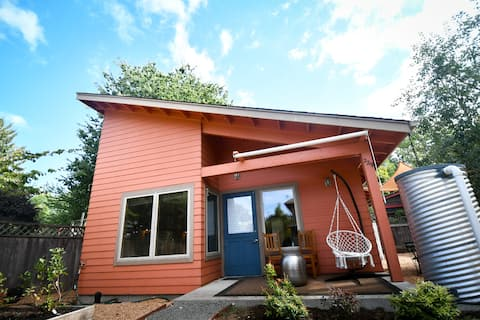 Eco-conscious Casita in the Heart of Whiteaker