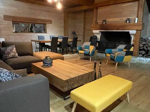 Habitation en bois authentique