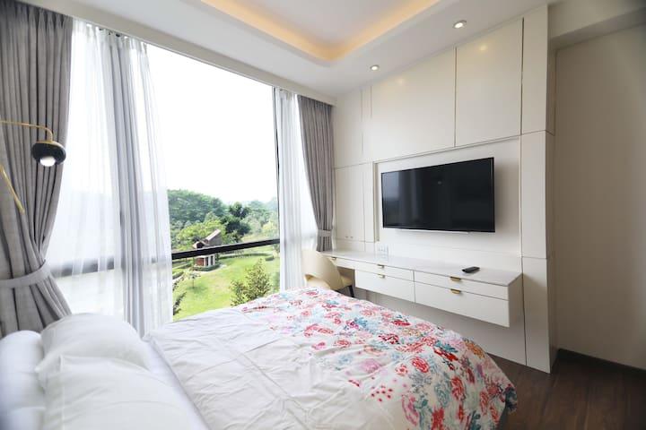 master bedroom facing botanical park