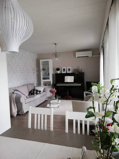 Entire charming rowhouse 6 km from the city center