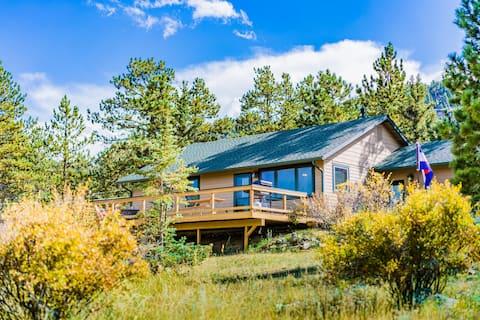 Big Deck, Views & Fireplace Near National Park