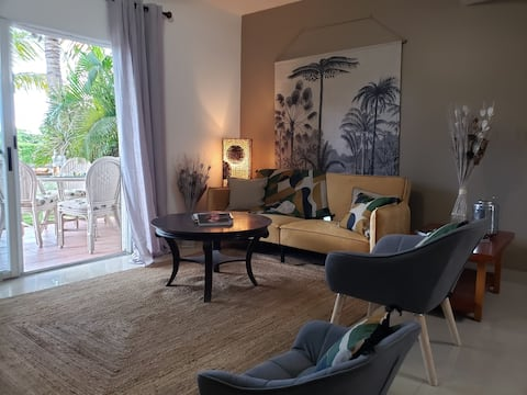 Lovely 2 bedroom condo with pool.
