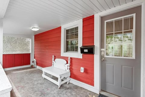 Renovated, fully furnished 3BR near downtown!!