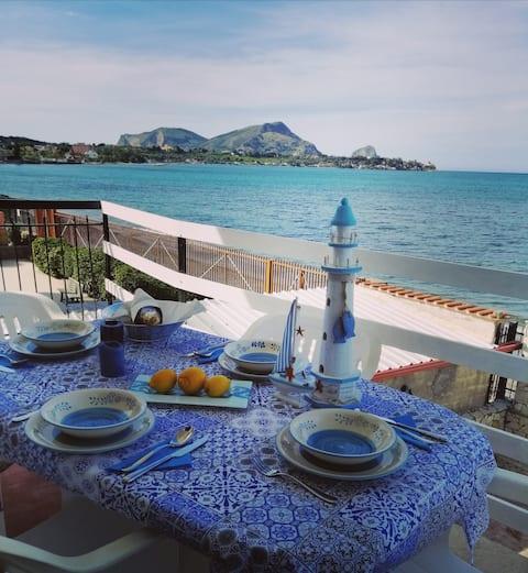 Casa Acquamarina, vista mare, accesso spiaggia