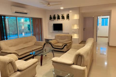 Centrally Located Fully Furnished 3 BDR/3 BTH Apt