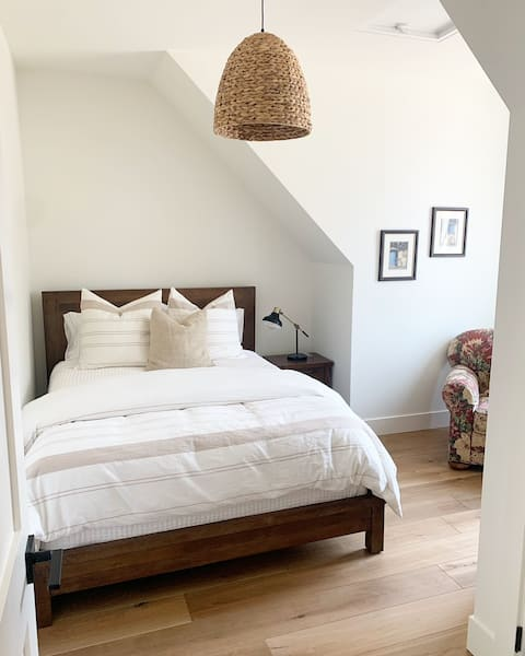 Harvest Breeze Guest Suite in Naramata BC