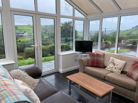 4 bedroom bungalow set in peaceful countryside