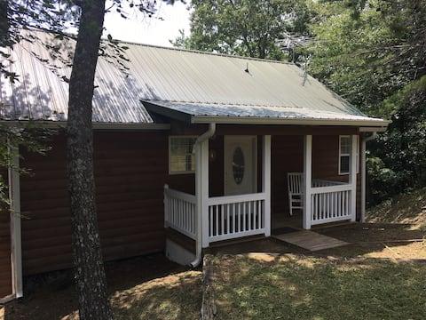 Wilderness log cabin (4) sitting high atop Ft. Mtn