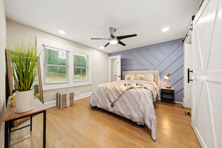The master bedroom also offers leafy views out into the yard