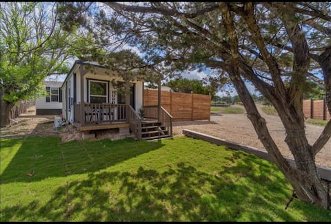 Enjoy Drip in a cozy, newly remodeled bungalow!