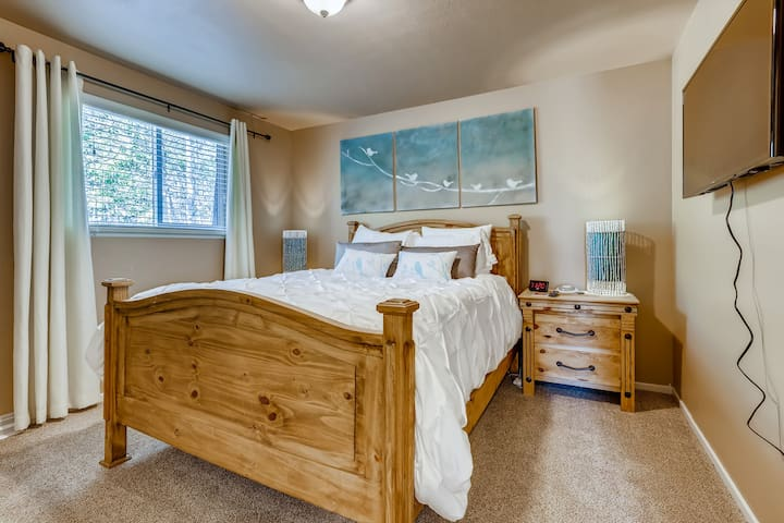 Second Bedroom with queen bed and smart TV