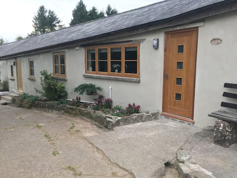 New Barn conversion/ Bungalow.  Fully furnished