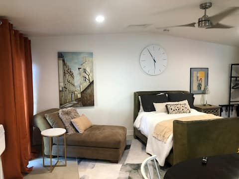 Myrtle Place 1 is a lovely studio apartment