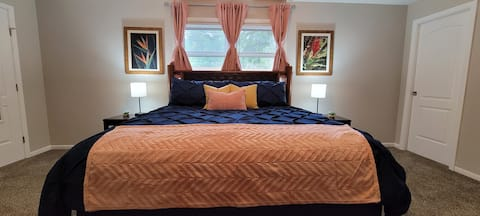 The Comfy King Ranch /King Bed/Fast WiFi/Free Pkg