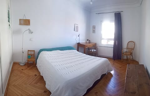 Habitación privada en luminoso piso, centro Madrid