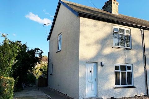 Refurbished cottage close to Newmarket/Cambridge