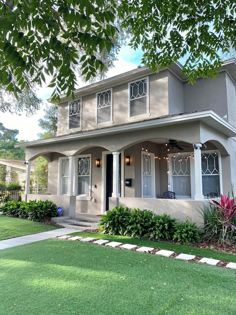JUST LISTED: Trendy Downtown Orlando Oasis