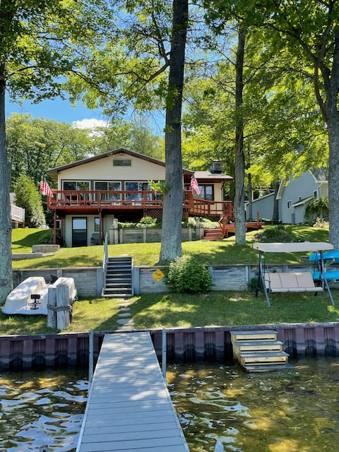 Renovated Waterfront home on Long Lake in Harrison