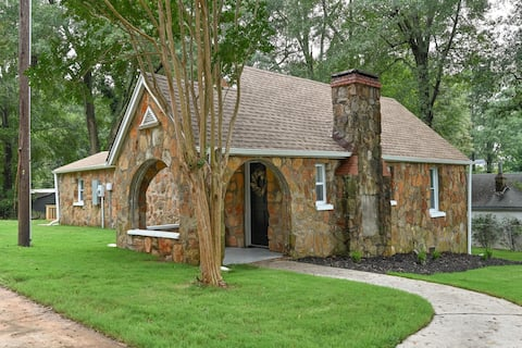 Greenville's Stone Cottage - Close to Everything!