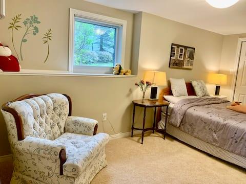 Entire Charming Spacious Guest Suite