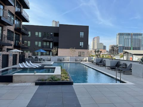 Brand new community 3 minutes to  Downtown Dallas
