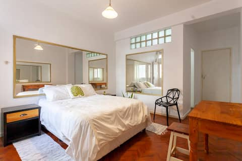 Charming Suite in the City Center