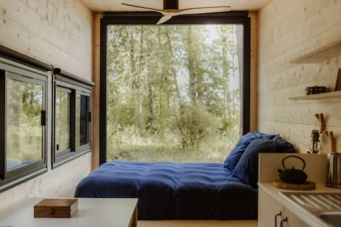 "Tiny house dans la forêt ""Naos"""
