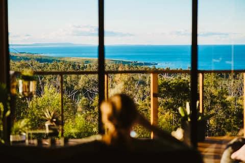 Black Wattle Coastal Retreat