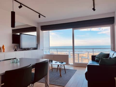 Studio (2 pax) with frontal sea view