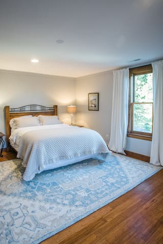 The Baldwin room is on the second floor featuring a queen bed.  The bedroom is a beautiful corner room welcoming in the morning sun.