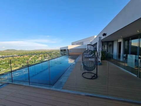 Modern apartment in great Location!!