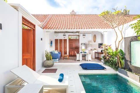 Casa Sintra-1 BR luxury pool villa, walk to beach