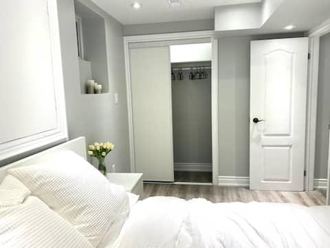 Vaughan의 새로운 현대적인 침실 1개 주거용 주택