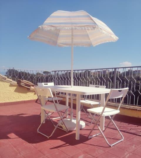 Appartamento caratteristico con camino e terrazza