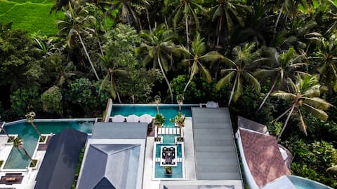 New! Stylish 5 Bdr Pool Villa w/ Lush Jungle View