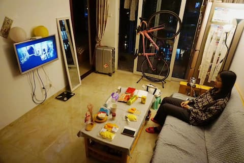 慧子桑の深圳城市客厅-南山大冲西丽短租公寓唠房东