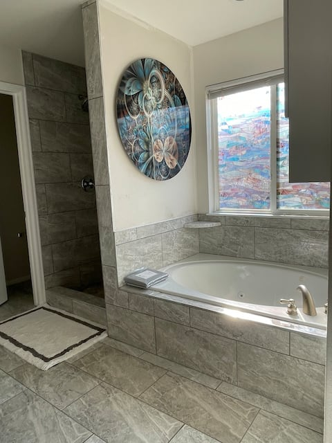 Views⛰Remodeled- Minutes to USAFA and Highway. -