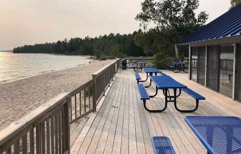 4 Seasons Vacation Resort: Harbor Springs/Petoskey