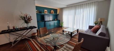 Apartamento moderno e bem localizado