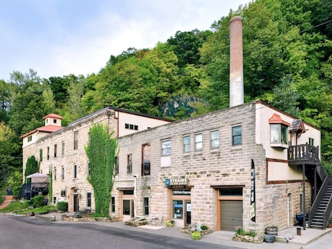 Historic Brewery studio with private patio