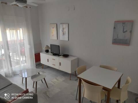 Zahara centro. Precioso apartamento junto a playa