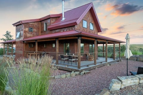 Rustic Modern, Secluded 2 bd 2bth home on 10 acres