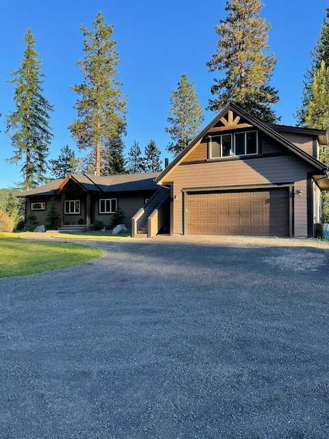 Selah House~ Private Riverfront Retreat