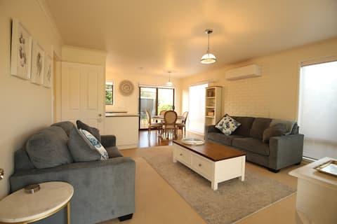 Bridgecroft Cottage - Cosy 2 bedroom cottage