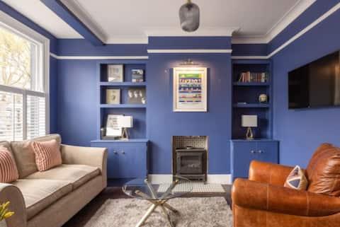 Interior designed  2 bedroom house with garden