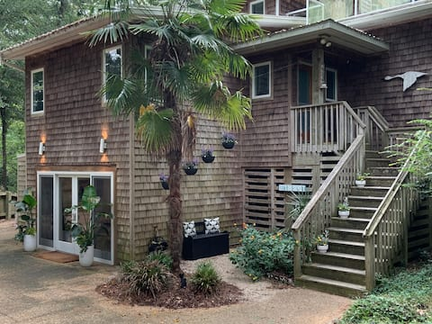 NEW Woodsong Studio Nestled in the Maritime Forest