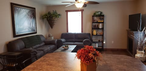 Attractive apartment, directly across from winery!