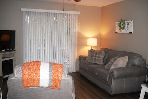 New Listing - Walk-in just minutes from SDC